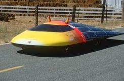 Ηλιακός-τροφοδοτημένο αυτοκίνητο Στοκ φωτογραφία με δικαίωμα ελεύθερης χρήσης