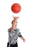 青少年篮球的裁判 免版税图库摄影