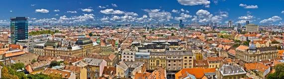 ζωηρόχρωμη χαμηλότερη πανοραμική πόλης όψη Ζάγκρεμπ Στοκ φωτογραφία με δικαίωμα ελεύθερης χρήσης