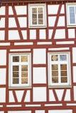 προσόψεων της Γερμανίας σπίτι που εφοδιάζεται με ξύλα μισό Στοκ Φωτογραφία