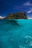海岛海洋天堂视图 免版税库存照片