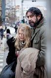 中心城市夫妇无家可归者奋斗 免版税图库摄影