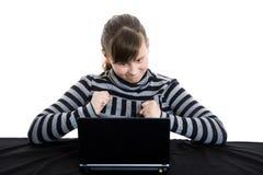 女孩膝上型计算机少年工作 免版税库存照片