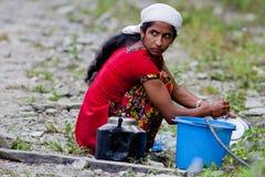 женщины мытья тарелки Стоковое Фото