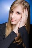 ξανθές χαριτωμένες χαριτωμένες νεολαίες γυναικών Στοκ Εικόνα