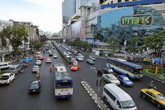 απασχολημένη οδική κυκλοφορία της Μπανγκόκ Στοκ Φωτογραφία