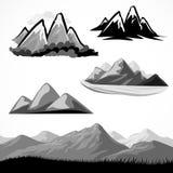 резюмируйте символ горы холмов установленный Стоковая Фотография