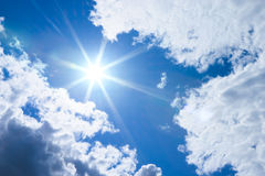 ήλιος σύννεφων Στοκ εικόνα με δικαίωμα ελεύθερης χρήσης