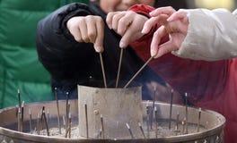 灼烧的香火日本奈良 免版税库存图片