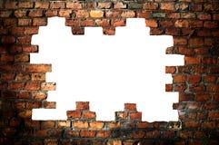 砖剪报漏洞老路径墙壁 免版税库存图片