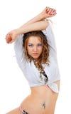 Όμορφη γυναίκα με το μακρύ σγουρό τρίχωμα Στοκ φωτογραφία με δικαίωμα ελεύθερης χρήσης