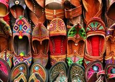 индийские тапочки традиционные Стоковая Фотография RF