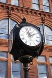有历史的街道时钟在皮奥里亚 免版税库存图片