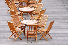 таблица стула деревянная Стоковые Изображения RF