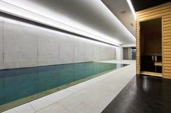 室内游泳池蒸汽浴 免版税库存照片