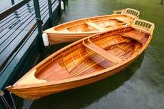 木的小船 免版税库存图片
