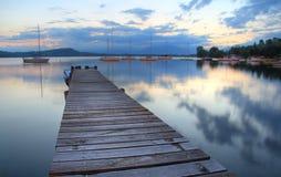 反映的湖 库存照片