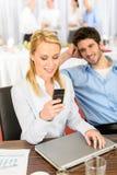 自助餐商业公司妇女年轻人 免版税库存图片