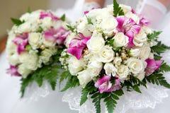 婚姻花束新娘明亮的玫瑰 图库摄影