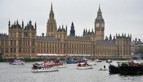 小船金刚石敦刻尔克周年纪念壮丽的场面 免版税库存图片