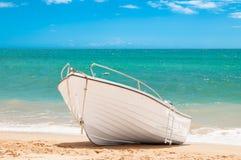 海滩小船捕鱼 库存照片