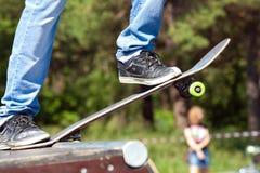 溜冰板者起始时间 免版税库存图片
