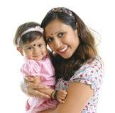 女儿印第安现代母亲 免版税库存照片