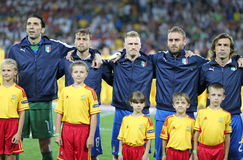 οι εθνικοί παίκτες της Ιταλίας ύμνου ποδοσφαίρου τραγουδούν την ομάδα Στοκ Φωτογραφία