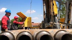 τρυπώντας με τρυπάνι πλατφόρμα άντλησης πετρελαίου αερίου Στοκ Εικόνες