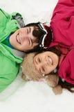 顶上的观点的在滑雪节假日的二个少年 免版税图库摄影