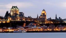 城市晚上魁北克 免版税库存图片