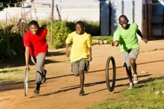 小镇体育运动-轮胎种族 库存照片