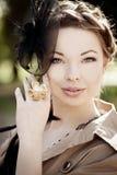 Женщина в ретро типе в городе Стоковая Фотография RF
