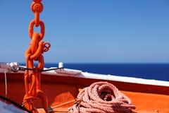 供应船锚点绳索和链子 库存照片