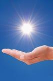 Χέρι και ήλιος Στοκ εικόνες με δικαίωμα ελεύθερης χρήσης