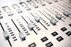 音频混合的控制台 免版税库存照片