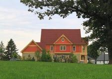 Новый дом старым валом Стоковая Фотография
