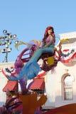 在迪斯尼乐园游行的美人鱼 免版税图库摄影