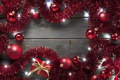 圣诞灯闪亮金属片背景 库存照片