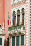 Часть фасада стародедовского здания Стоковые Фото