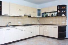 现代厨房内部 免版税库存图片