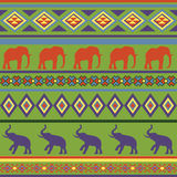 五颜六色的无缝的抽象种族装饰品。 库存图片
