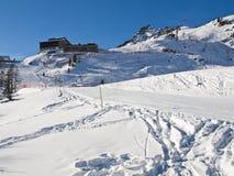滑雪在法国阿尔卑斯 免版税库存图片