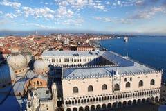 有共和国总督宫殿的威尼斯在意大利 图库摄影