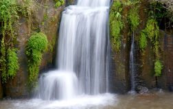 瀑布本质横向 库存图片
