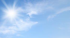 Ουρανός και ήλιος Στοκ Φωτογραφίες