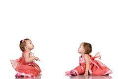 同卵双生女婴 免版税库存图片
