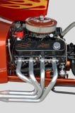 自定义的旧车改装的高速马力汽车引擎 库存图片