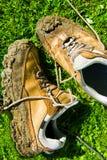 泥泞的鞋子 免版税库存图片