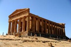 希腊寺庙在西西里岛 库存图片